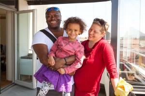 Inflyttning Greenhouse Izabella Klüft med familj